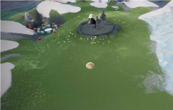 光遇:玩家脑洞大开cos小蘑菇,远看还真看不出