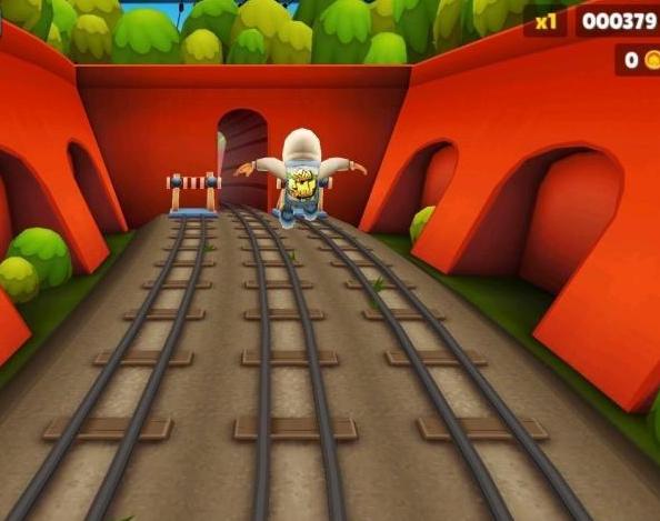 地铁跑酷骗了我们7年,8亿分就能看到终点,大佬穿过后却懵了!